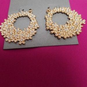 Jewelry - New Adorable Flower Hoop Earrings